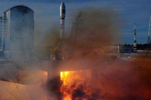 Mỹ 'đánh tiếng' nhờ Nga chế tạo giúp phi thuyền lên Mặt trăng