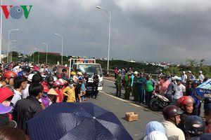 Nữ sinh bị xe tải cán chết thương tâm trên đường đi học về