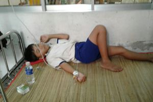 45 học sinh ở Cà Mau nhập viện sau khi xúc miệng bằng ung dịch fluor