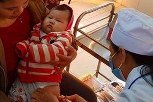 Không tiêm vắc xin để trẻ 'thuận tự nhiên' là có tội với chính con bạn