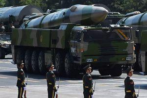 Tên lửa đạn đạo 'sát thủ tàu sân bay' Trung Quốc vừa triển khai nguy hiểm đến mức nào?