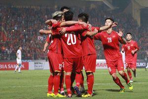 Các cầu thủ ĐT Việt Nam làm gì trước giờ bóng lăn trận gặp Iran?