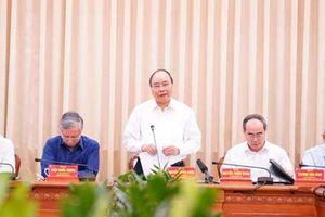 Thủ tướng Nguyễn Xuân Phúc: Gỡ vướng mắc để TP.HCM phát triển xứng tầm