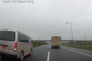 Bộ Tư lệnh Cảnh sát biển nói về việc xe biển đỏ đi lùi trên cao tốc