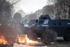 5.000 cảnh sát, xe bọc thép dàn sẵn ở Paris vì lo ngại biểu tình bạo lực