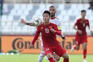 Chấm điểm tuyển Việt Nam 0-2 Iran: Điểm sáng Quang Hải