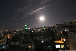 Bất chấp S-300, Israel lại bất ngờ dội tên lửa vào Damascus trong đêm