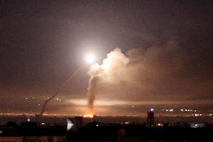Israel tiếp tục trút tên lửa lên thủ đô Syria