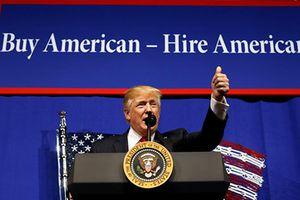 Tổng thống Donald Trump cam kết cải cách thị thực loại H1-B