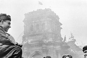 Thế chiến thứ nhất: Vén bức màn tranh cãi về thưởng và phạt liên quan đến rượu