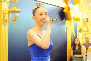 Ngày đầu năm, Tóc Tiên hóa công chúa và mang đến bản hit hàng triệu người thuộc nằm lòng