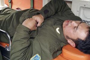 Nhân viên an ninh hàng không Nội Bài bị cò mồi taxi hành hung