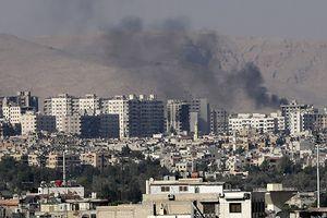 Mỹ còn mập mờ chuyện rút quân, Israel lại dội tên lửa vào thủ đô Syria