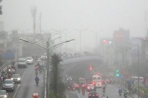Chất lượng không khí các khu vực giao thông Hà Nội đang gần mức xấu