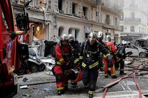 Paris gồng mình thảm họa kép: Nổ khí ga và Áo vàng