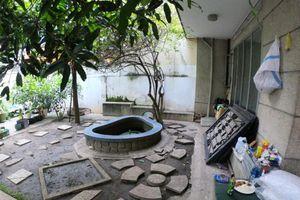 Cận cảnh biệt thự cũ giá triệu USD bỏ hoang giữa trung tâm TP.HCM