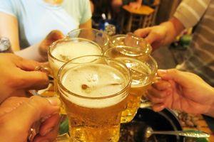 Không sử dụng bia điều trị ngộ độc rượu ethanol