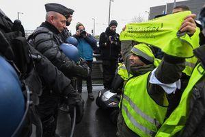 Pháp quyết mạnh tay với người biểu tình