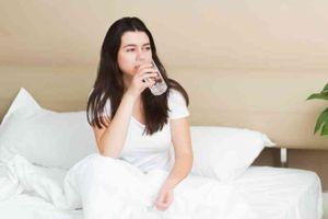 Uống thêm 6 ly nước mỗi ngày giúp ngừa nhiễm trùng tiết niệu