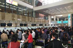 Sân bay Nội Bài hạn chế người đưa tiễn vào ga để tránh ùn tắc