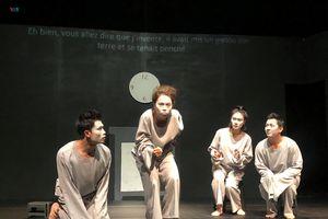 NSƯT Trần Lực dựng kịch phi lý để đo độ 'nhiệt' của khán giả