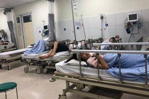 TP.HCM: 10 người nhập viện cấp cứu sau khi ăn tiệc tất niên ở nhà hàng
