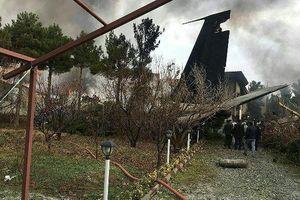 Máy bay chở hàng Boeing-707 rơi gần thủ đô của Iran