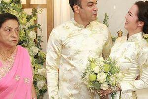 Chồng doanh nhân Ấn Độ đi cùng dàn bê tráp đến hỏi cưới Võ Hạ Trâm