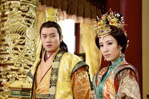 Quái đản sở thích... cuồng si gái già của hoàng đế nổi tiếng TQ