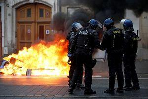 Pháp: Báo chí kêu gọi bảo vệ phóng viên trước phe 'áo vàng'