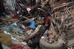 Xe tải chở gạo mất lái lao vào chợ, ít nhất 20 người thiệt mạng