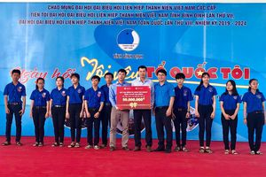 Quỹ học bổng tài năng TMS Group: Tặng học bổng trị giá 50 triệu cho học sinh vượt khó, học giỏi tại Bình Định