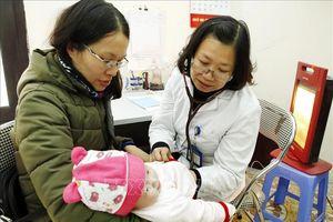 Các phản ứng nào được coi là nặng sau tiêm vắc xin ComBE Five