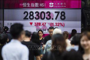 Chứng khoán Hong Kong dẫn đầu đà giảm tại châu Á