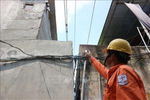 Nhức nhối vi phạm hành lang lưới điện