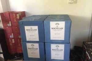 Đà Nẵng: Tạm giữ hơn 600 chai rượu lậu đang trên đường chuyển vào Nam tiêu thụ