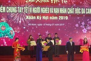 VNPT địa bàn Hà Nam ủng hộ hàng trăm triệu động cho người nghèo