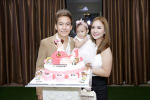 Sao hội tụ mừng sinh nhật Phạm Trưởng và con gái