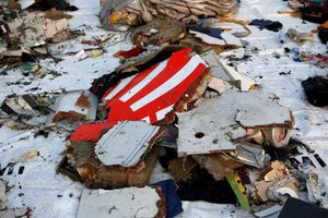 Indonesia tìm thấy hộp đen ghi âm buồng lái máy bay JT610