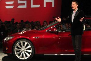 Tesla trỗi dậy từ vũng bùn 2018