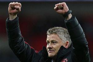 'Rập khuôn' Alex Ferguson, HLV tạm quyền ManU kỳ vọng vị trí chính thức?
