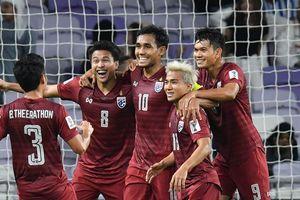 Thái Lan vào vòng 16 Asian Cup 2019 bằng 'cổng chính'