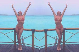 Mẹ của Gigi Hadid sở hữu thân hình gợi cảm ở độ tuổi U60