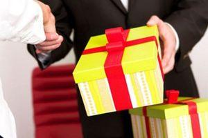 Thanh Hóa nghiêm cấm dùng ngân sách làm quà tặng, chúc Tết lãnh đạo