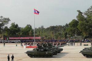 Choáng ngợp sức mạnh quân đội Lào chuẩn bị cho duyệt binh