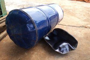 Yên Bái: Cưa vỏ thùng phuy đựng xăng gây nổ lớn, 2 người bị thương nặng