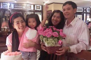 Mai Phương đón sinh nhật cùng gia đình sau 5 tháng điều trị ung thư
