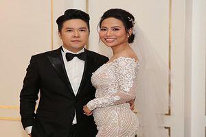 Bà xã Lê Hiếu lộ vòng 2 lớn trong đám cưới