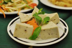 Cách làm món chay ngon: Giò lụa chay từ đậu xanh đơn giản nhất
