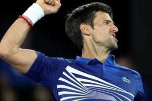 Thắng dễ, Djokovic nối bước Nadal và Federer vào vòng 2 Australian Open